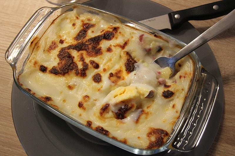 gratin poireaux oeuf bacon 465 kcal d lizioso. Black Bedroom Furniture Sets. Home Design Ideas