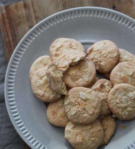 Macaron de Saint-émilion aux amandes