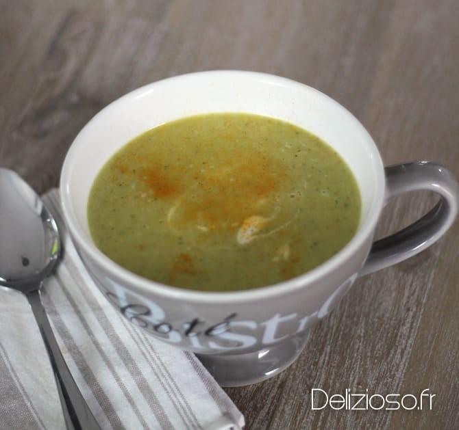 Soupe au chou chinois et curcuma