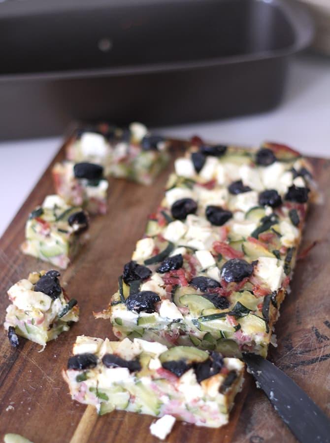 Clafoutis aux Courgettes, feta, bacon, olives noires